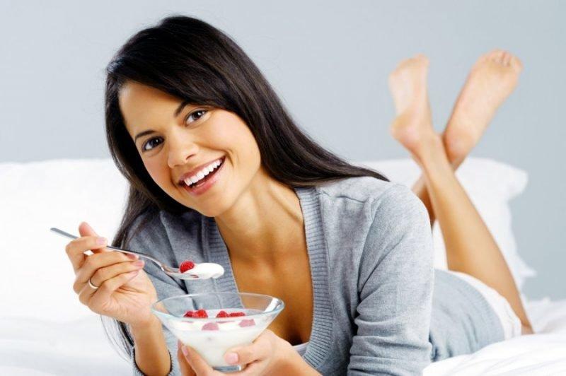Știați că puteți slăbi consumând lapte? Cum accelerează lactatele procesul de pierdere în greutate