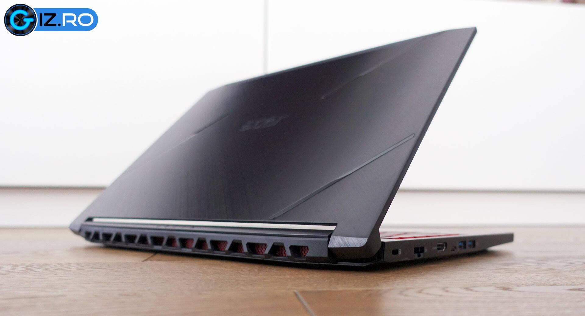 scoate grăsimea de pe laptop